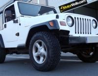 Jeep forrado integral con Vinilo blanco brillante