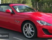Maserati forrado integral con Vinilo rojo brillante