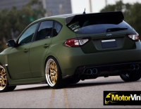 Forrado integral del Subaru Impreza con Vinilo verde mate militar