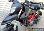 Ducati con forrado integral de Vinilo negro mate
