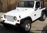 Jeep Wrangler forrado integral con Vinilo blanco brillante