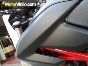 Ducati Hypermotard con Vinilo negro mate 3M