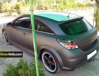 Opel Astra forrado en Vinilo gris oscuro mate