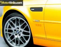 BMW con Vinilo amarillo brillante