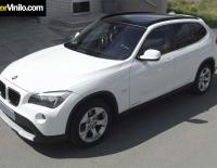 BMW X1 techo con Vinilo negro brillante