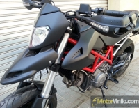 Ducati Hypermotard forrado integral con Vinilo negro mate