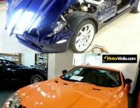 Antes y Después del forrado integral del Mercedes SLR en Vinilo naranja brillante