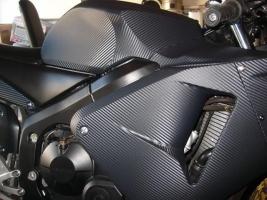 Honda CBR600 con Vinilo carbono 3M